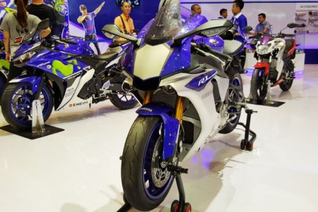 Yamaha R1M Race Blue at IMOS 2016
