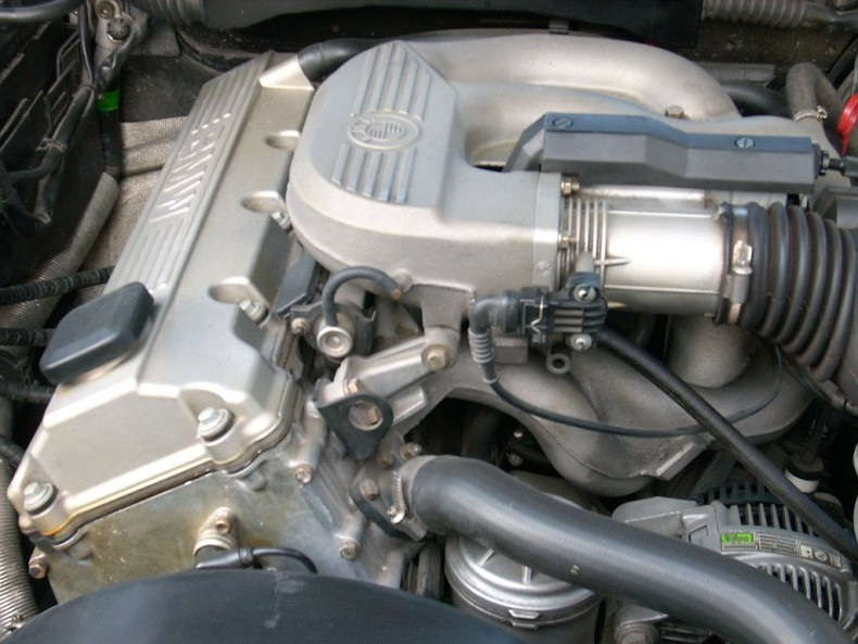 What Is The Difference Between The Bmw M40 Engine And The M43 Bmw M43 Engine Specifications Description Photo Innovations In M43 Tu Engine Mounted Components