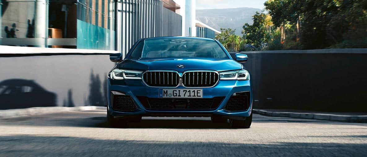 2021_BMW_5er_VKF_Slide_03_1185x510px.jpg_1558710552