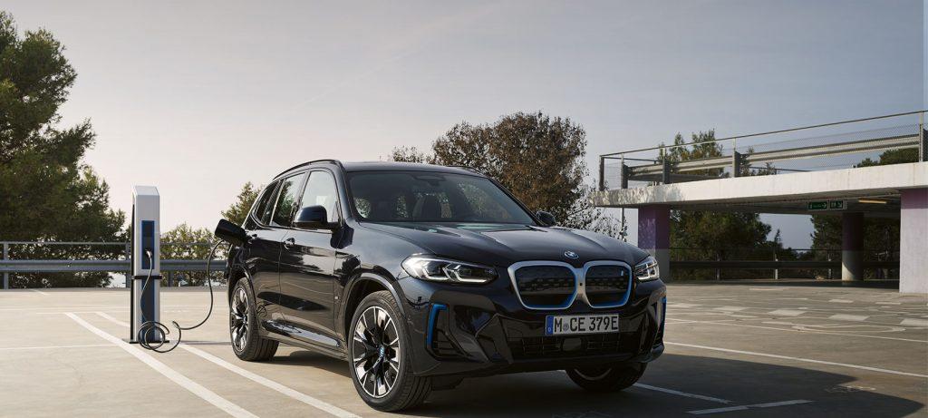 BMW iX3 1680x756px.jpg 130401668
