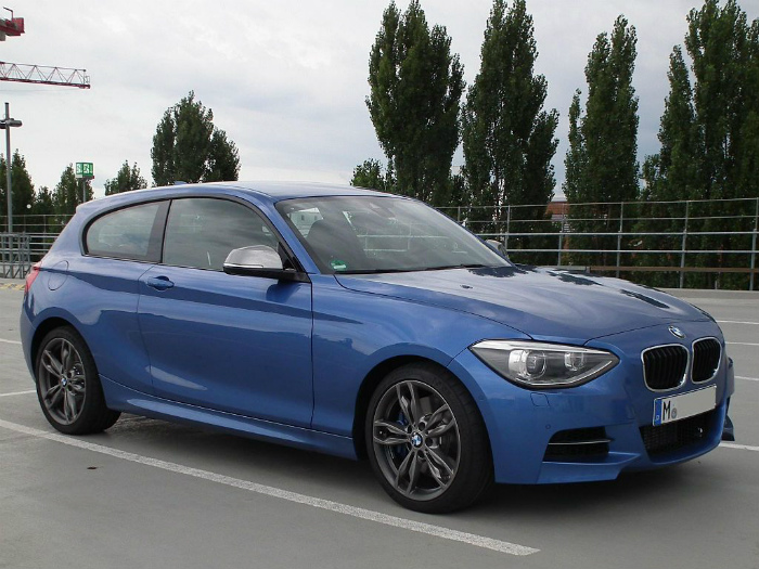 1024px-BMW_M135i-front