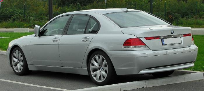 BMW_7er_(E65)_rear_20100918