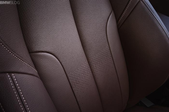 2016-BMW-X1-interior-1900x1200-images-10