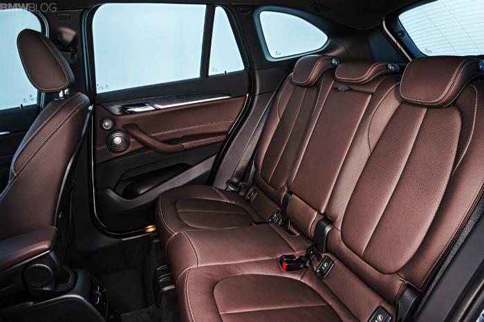 2016-BMW-X1-interior-1900x1200-images-17