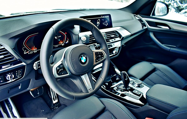 2022 BMW X3 Interior