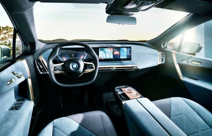 2022 BMW 740i Interior