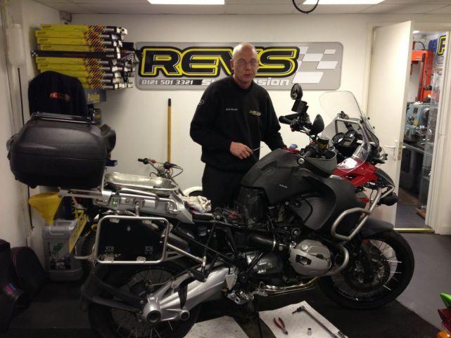 Revs Racing Fitting the Wilbers ESA