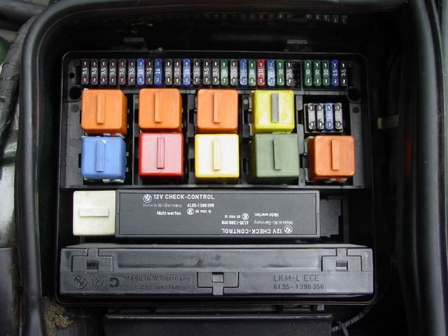 2008 Bmw 535i Fuse Box Location