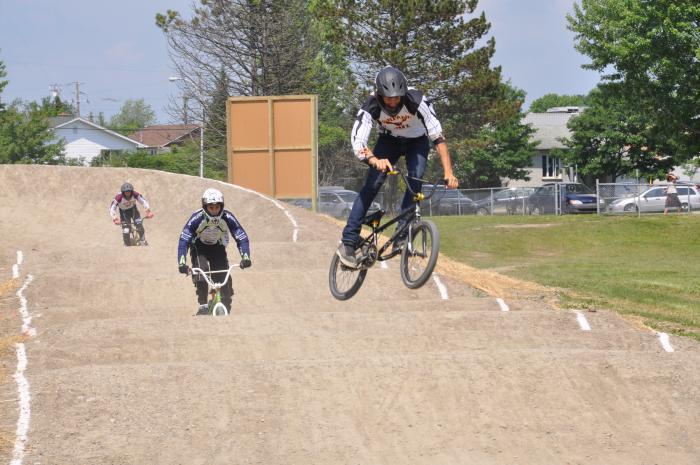 inauguration de la piste de BMX au Trilet à Sherbrooke, pour le club des Harfangs