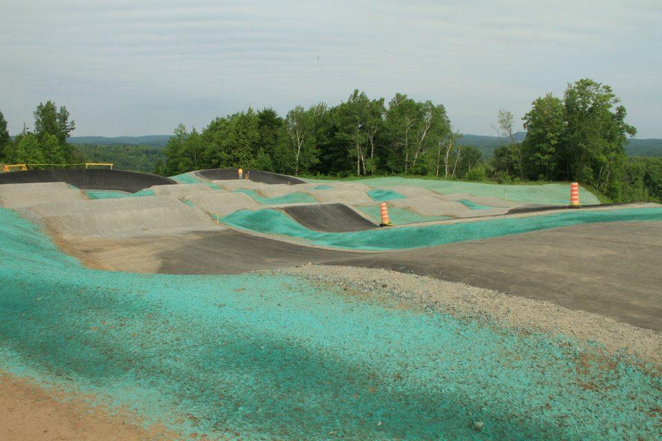 Vue de la piste de BMX de calibre provincial à Shawinigan, pour les Jeux du Québec de BMX