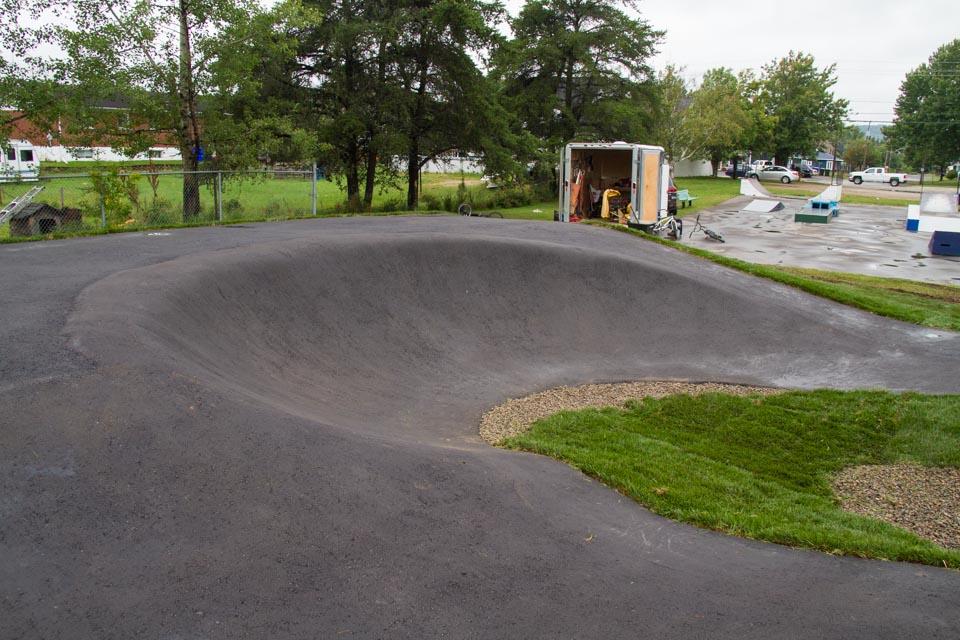 Pumptrack en asphalte de Saint-Michel-des-saints construite par BMXpert