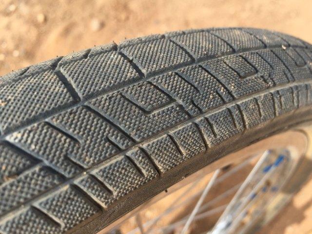 sandm-trackmarks-bmx-race-tire3