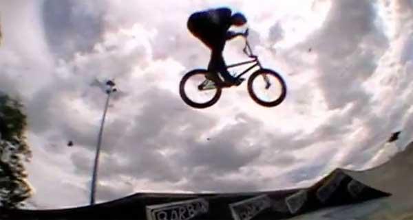 Unleaded X Macneil Bikes – Antoine Nau Park Session
