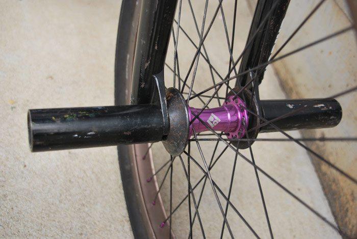 eric-mesta-bike-check-front-hub