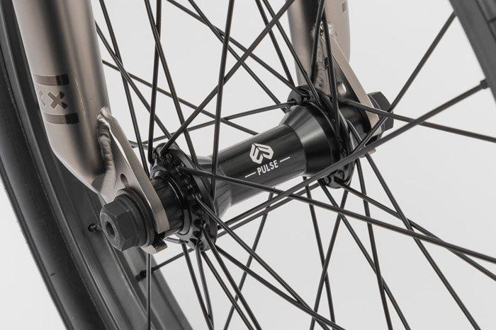 wethepeople-envy-complete-bmx-bike-front-hub