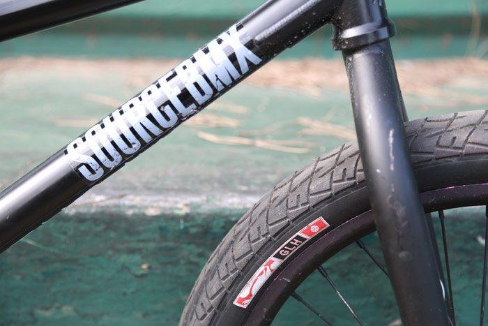 ben-lewis-bmx-bike-check-tire-front