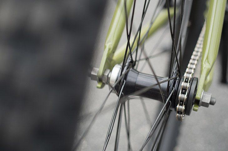 fairdale-bikes-2017-taj-complete-bike-rear-hub