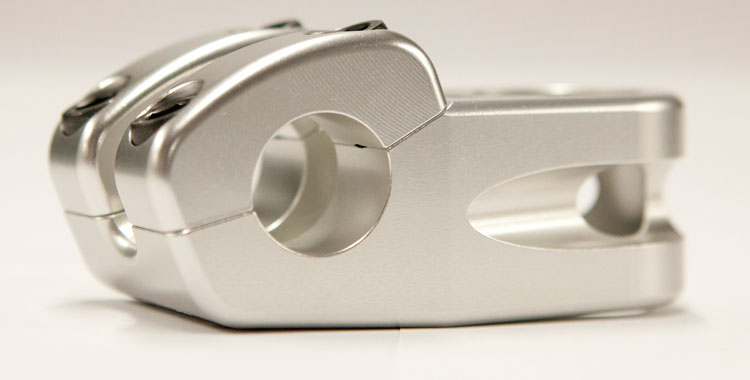 terrible-one-cyclops-stem-silver-side-angle