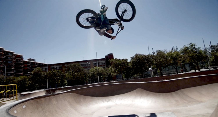 "Flybikes - Stefan Lantschner ""Go With The Flow"" Video"