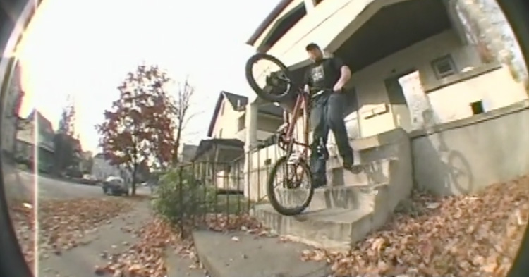 411 Video Magazine – Day In the Life of Steve Crandall (2002)