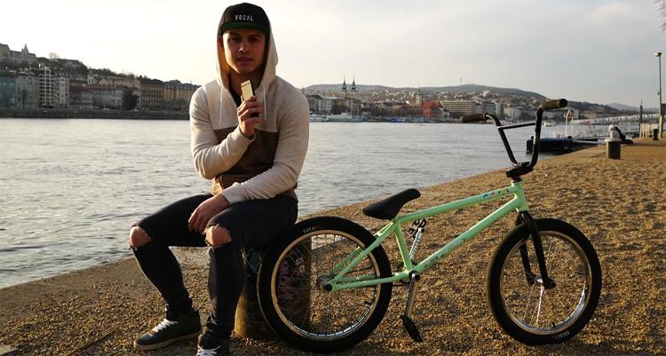 Zozo Kempf 2017 Video Bike Check