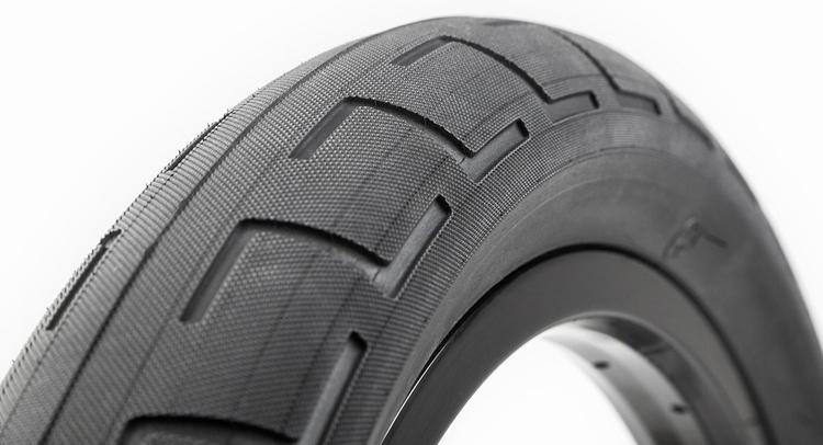 BSD – Alex Donnachie Signature Donnastreet Tire