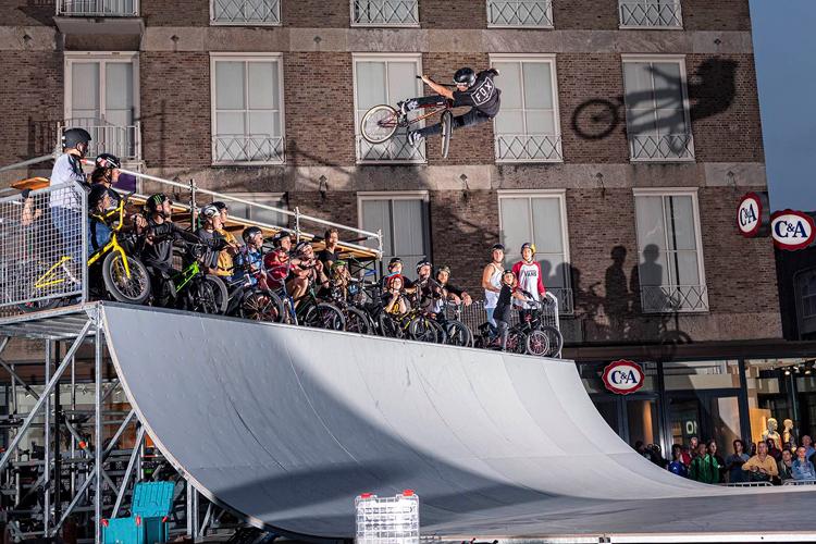 040 BMX Invitational Spine Ramp Contest