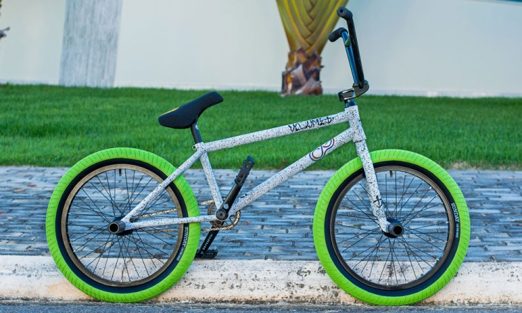 Volume Bikes Caique Gomes Bike Check BMX