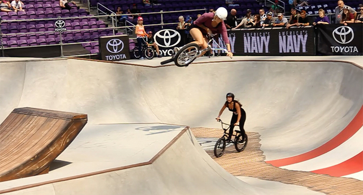 X Games 2017 – Womens BMX Session