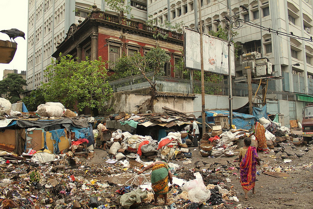Garbage dumped in the open in Kolkata. Source ~ amazonaws.com