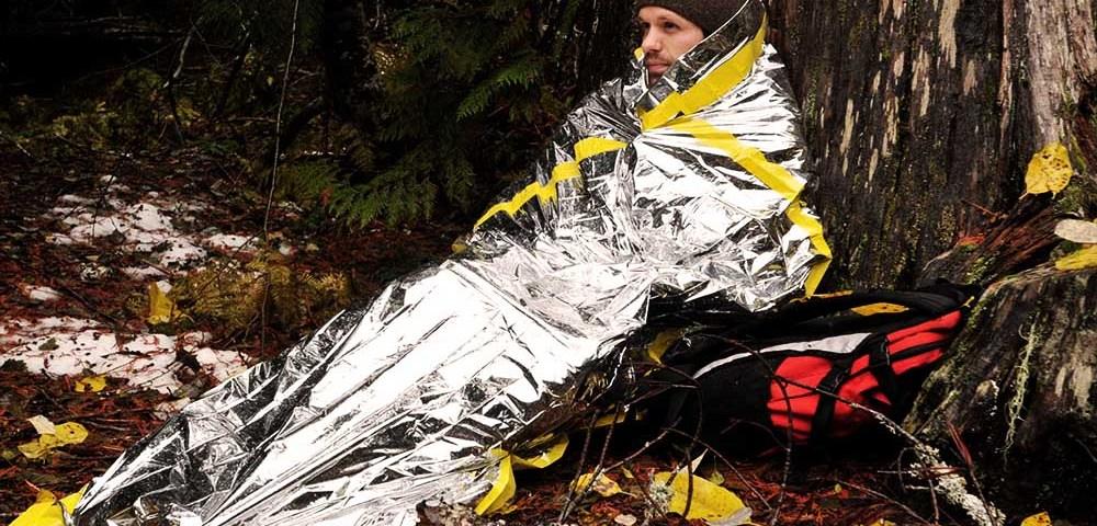 Спасательное одеяло и 10 способов его применения