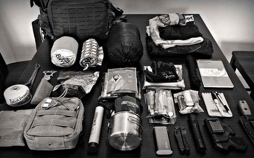 Почему я ношу комплект «Get Home Bag» и что у меня там есть - Last Day Club
