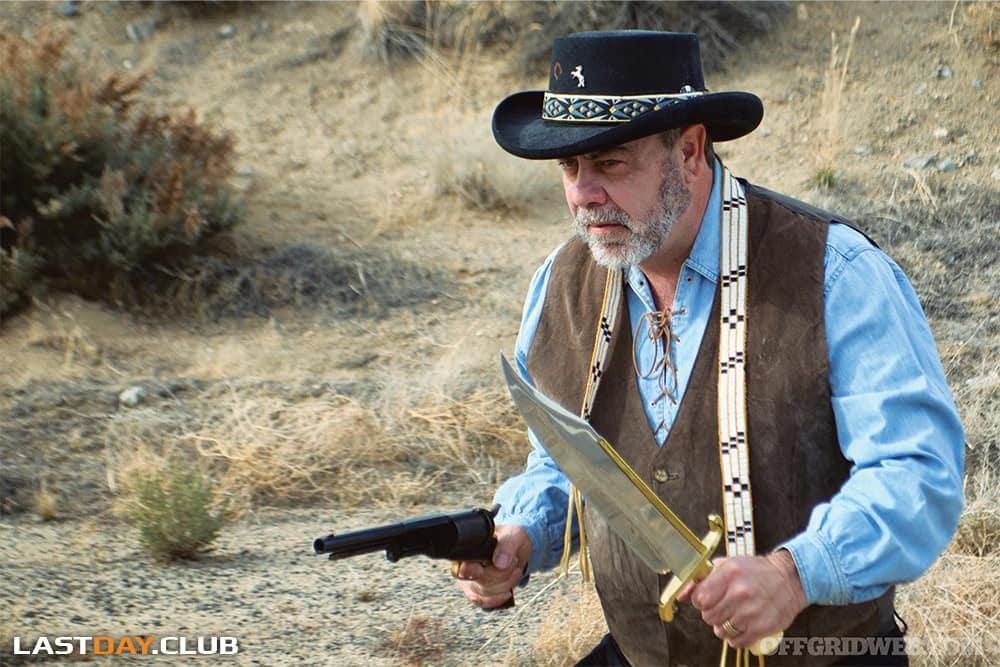 Во времена Фронтира нож Боуи чаще использовался как оружие, а не как инструмент.