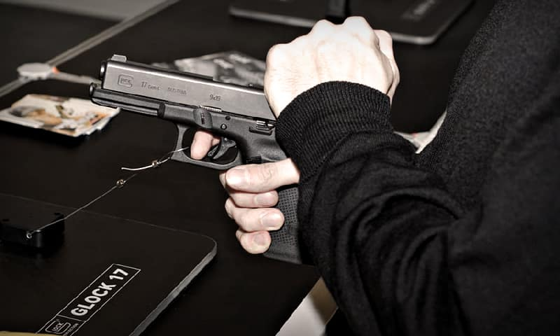Glock 17 - Лучшее огнестрельное оружие для выживания и самообороны - Топ-5 «пушек» для различных ситуаций