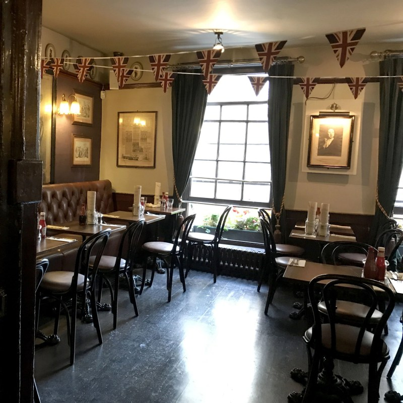 dining room at the lamb and flag in London