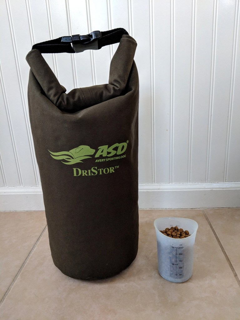Dog food drybag and flexible silicone scoop