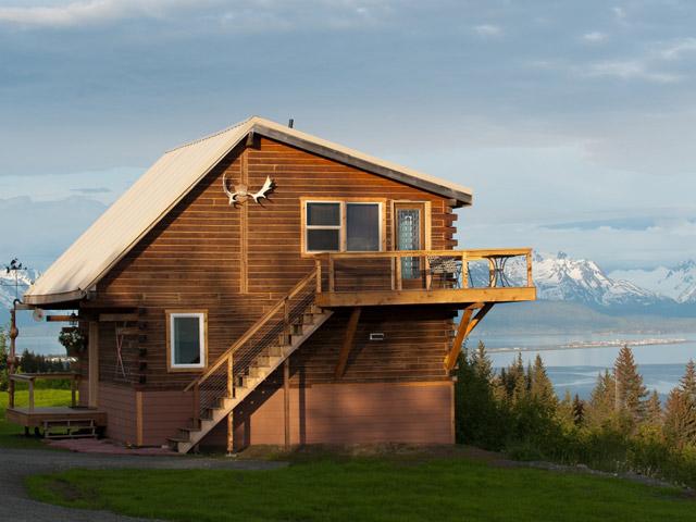 Log Cabins and Vacation Rentals overlooking Kachemak Bay