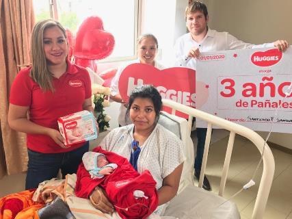 Los tres primeros bebés nacidos este año recibirán una dotación de pañales por tres años