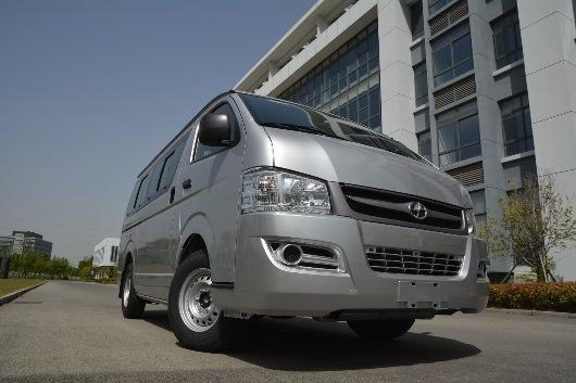 Los minibuses Joylong llegan a Bolivia para ampliar las opciones de transporte seguro