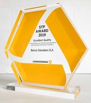 Premian al Banco Ganadero por la excelencia de sus servicios de Comercio Exterior