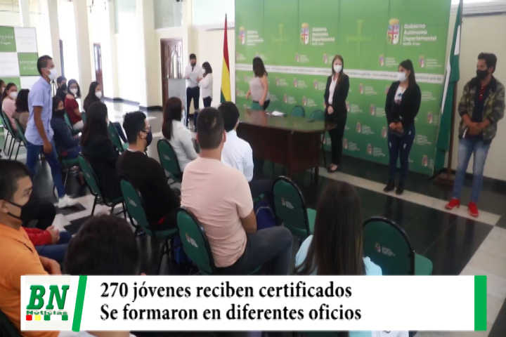 Jóvenes en situación de vulnerabilidad reciben 270 certificados tras formarse en diferentes oficios