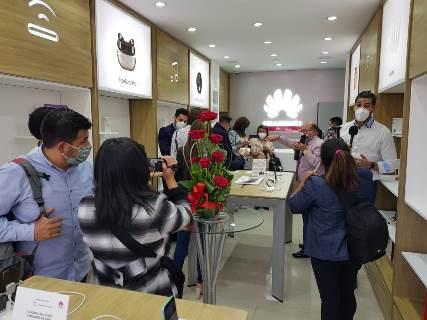 Huawei se expande por el territorio boliviano con la apertura de dos tiendas Huawei Experience Store