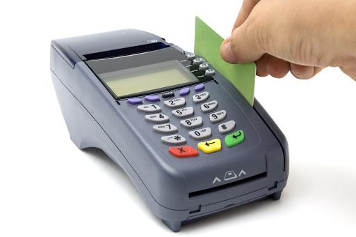 Tres diferencias entre una tarjeta de crédito y una de débito y por qué debes tener al menos una
