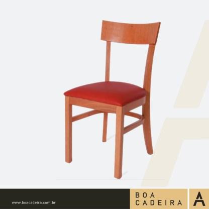 Cadeira de Madeira Estofada Barcelona