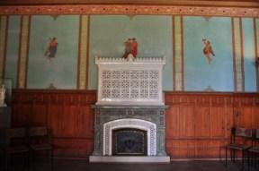 Inside the villa. Nice wallpaper!