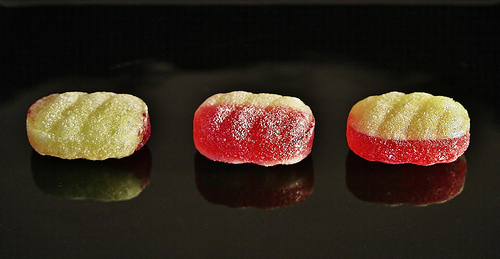 'Rhubarb custard cremes' by Dr_Kelly, from Flickr under Creative Commons.