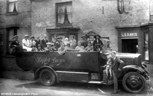 Charabanc outside an unknown pub.