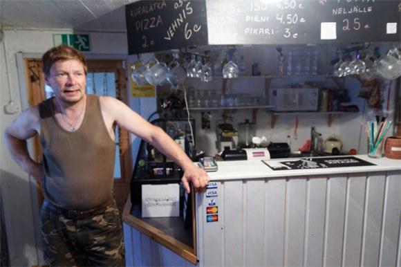 Petteri leans on his bar.