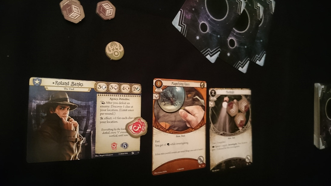 arkham-horror-card-game-board-game-stories-review-3