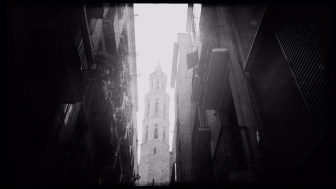 Barcelona in Schwarzweiß Reiseblog Im Schatten des Windes Boarding Completed08